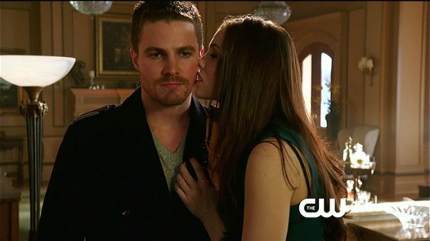 Arrow Season 1 Episode 17 The Huntress Returns Kiss